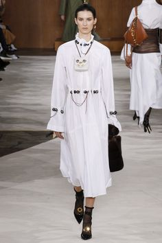 http://www.vogue.com/fashion-shows/fall-2016-ready-to-wear/loewe/slideshow/collection
