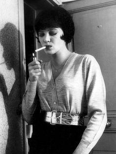 "Anna Karina in ""Vivre sa vie: Film en douze tableaux"" by Jean-Luc Godard as""Nana"" The way she wears a cardigan!"