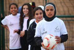 The Peres Center For Peace (Escuelas deportivas para la paz) acerca a jóvenes de diferentes culturas y orígenes a través del deporte. www.peres-center.org. ¡Otro proyecto más apoyado por #MásQueUnBalón