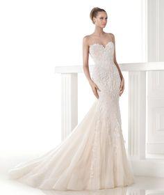 CLARISA - Vestido de novia corte sirena. Pronovias 2015   Pronovias