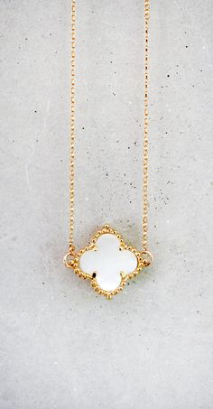 Van Cleef and Arpels clover necklace