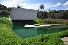 Instituto Cultural Inhotim Pavillion.... é a sede de um dos mais importantes acervos de arte contemporânea do Brasil e considerado o maior centro de arte ao ar livre da América Latina2 . Está localizado em Brumadinho (Minas Gerais), uma cidade com 30 mil habitantes, a apenas 60 km de Belo Horizonte.