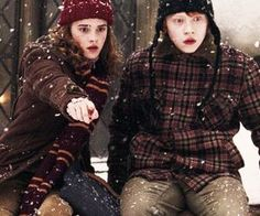 """Emma Watson as Hermione Granger and Rupert Grint as Ron Weasley in """"Harry Potter and the Prisoner of Azkaban. Harry Potter Tumblr, Mundo Harry Potter, Harry Potter Pictures, Harry James Potter, Harry Potter Universal, Fans D'harry Potter, Theme Harry Potter, Harry Potter Books, Harry Potter World"""