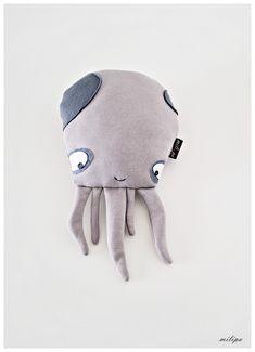 - Nouvelle collection 2016 - Poulpes est une nouvelle addition à notre famille animale dans Milipa. Ce jouet a été conçu, modelé et à la main par moi dans sweat rugueuse, feutres et simili...