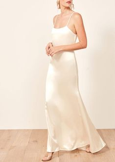 The Carolyn Bessette Wedding Dress of the Is Back—Here Are 10 Versions … Slip Wedding Dress, Wedding Dresses Under 500, Wedding Dress Trends, Gorgeous Wedding Dress, Cheap Wedding Dress, Wedding Gowns, Bhldn Wedding, Wedding Hair, Wedding Ideas