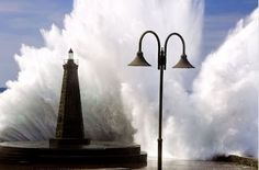 wave-burst on the light house