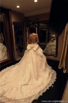 Amazing back wedding dress Photos Most Beautiful Wedding Dresses, 2015 Wedding Dresses, Wedding Attire, Wedding Gowns, Bow Wedding, Backless Wedding, Gorgeous Dress, Perfect Wedding, Dresses 2014