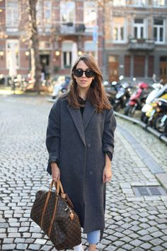 THE TRAVELER | Fiona from thedashingrider.com wears Soaked In Luxury Coat, DSTLD Ripped Jeans, Adidas Stan Smith Sneakers and Vintage Louis Vuitton Keepall #ootd #whatiwore #petite #petiteblogger