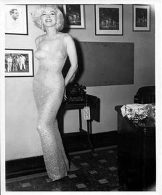 """Marilyn Monroe about to sing """"Happy Birthday"""" to JFK"""
