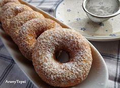 AranyTepsi: Tízperces sütőporos fánk Bagel, Doughnut, Cake Recipes, Bread, Food, Baking Ideas, Recipes For Cakes, Eten, Baking Recipes