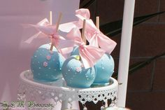 Gorgeous candy apples at a Shabby Chic Baking Party #shabbychic #bakingparty #candyapples