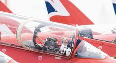 George de Cambridge a fait sa première sortie officielle pour un engagement royal avec ses parents, le 8 juillet 2016. Le prince de 2 ans, fan d'aviation, a accompagné Kate et William au Royal International Air Tattoo (RIAT), une manifestation internationale de présentation aéronautique militaire.