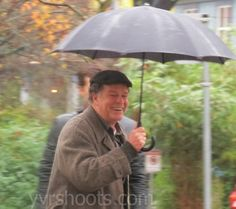 FRINGE's Joshua Jackson & John Noble Have Fun in West End Rain for Part One of the Series Finale | yvrshoots
