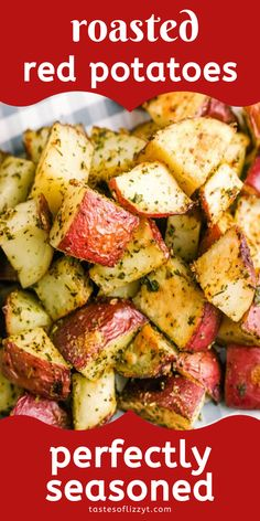Roasted red potatoes are a delicious side dish that pairs perfectly with just about everything. This oven roasted potatoes recipe is easy to make, too! Recipes no oven Roasted Red Potatoes Recipe {Oven Baked with Crispy Skin} Red Potato Recipes, Roasted Potato Recipes, Veggie Recipes, Vegetarian Recipes, Cooking Recipes, Healthy Recipes, Roasted Red Skin Potatoes, Fried Red Potatoes, Red Skinned Potatoes