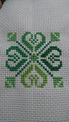 This Pin was discovered by Zaf Cross Stitch Bookmarks, Cross Stitch Books, Cross Stitch Heart, Cute Cross Stitch, Cross Stitch Borders, Cross Stitch Alphabet, Cross Stitch Samplers, Modern Cross Stitch Patterns, Cross Stitch Flowers