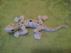 Statue of salamander in ceramic, hand-painted by Laure Terrier 22 centimeters in length (8,5 inches)    Decorated with gold and rhinestones.