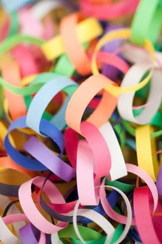 Hostess with the Mostess® - art gallery party 6th Birthday Parties, It's Your Birthday, Birthday Ideas, Happy Birthday, Art Party Decorations, Kunst Party, Artist Birthday, Rainbow Paper, Paper Chains