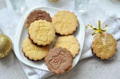 Karácsonyi pilóta keksz házilag - csakapuffin.hu Homemade, Cookies, Baking, Advent, Christmas, Food, Crack Crackers, Xmas, Home Made