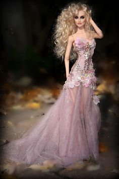 Barbie Dolls : Prego: My favorite colors: pink and black.(sorry…lots of photos) :-)… Barbie Gowns, Barbie Dress, Barbie Clothes, Barbie Vintage, Beautiful Barbie Dolls, Pretty Dolls, Fashion Royalty Dolls, Fashion Dolls, Barbie Style