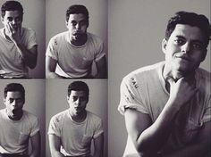 Rami Malek portrait by Mike Rosenthal- 2011 #2011 #BW #RamiMalek #MikeRosenthal #Faces #Animated #Expressive #Amusing