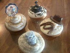 Indiana Jones cupcakes