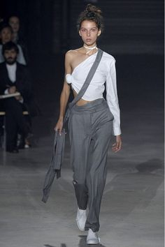 Jacquemus - Spring/Summer 2016 Ready-To-Wear - PFW (Vogue.co.uk)