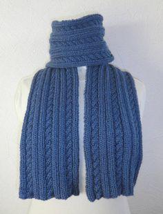 écharpe en laine pour une idée cadeau de toutes les occasions.. Coloris bleu  Pour 203656d611d