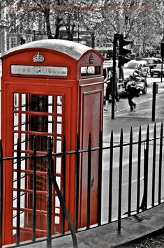 Phone Booth, London, UK; ♥ the black and white photo with the color accent