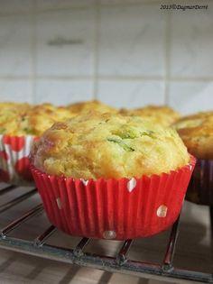 Cuketové muffiny s kozím sýrem - *CHUTNÉ STRÁNKY S FRANCOUZSKÝM NÁDECHEM* Tasty, Yummy Food, Starters, Zucchini, Muffins, Food And Drink, Cupcakes, Vegetarian, Healthy Recipes