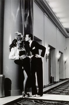 Editorial by photographer Helmut Newton for March 1979 French Vogue, with Gia Carangi (left) and Robin Osler (right, who is also a woman). They wear Yves Saint Laurent, the fashion designer, in his. Gia Carangi, Terry Richardson, Richard Avedon, Claudia Schiffer, Cindy Crawford, Yves Saint Laurent, Vogue Paris, Helmut Newton Women, Collage Foto