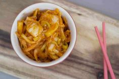 If you can't get enough of the unique flavor of kimchi this easy Korean kimchi recipe is the one for you. You need to be prepared for a fermenting period Greek Recipes, Korean Recipes, Spanish Recipes, Japanese Recipes, French Recipes, Chinese Recipes, Healthy Diet Tips, Healthy Recipes, Healthy Food