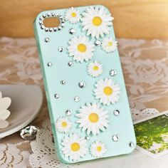 I love this sunflower IPhone case... it is a PERFECT summer or spring phone case<3