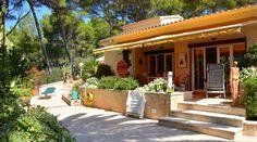 Gepflegtes, frei stehendes Haus direkt am Golfplatz gelegen mit Blick ins Grüne und nahe zum Strand - Living Scout - die schönsten Immobilien auf MallorcaLiving Scout – die schönsten Immobilien auf Mallorca