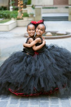 Oh my goodness, look at these two dolls. Old Hollywood Glam Dallas Wedding - Danyel + Darnell Beautiful Children, Beautiful Babies, Beautiful People, Cute Kids, Cute Babies, Old Hollywood Glam, Black Kids, Black Babies, Dallas Wedding