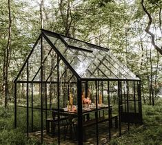 Garden Types Fox Meets Bear's Johnna Holmgren selling her whimsy-loaded Minnesota house Glass House Garden, Home And Garden, Glass Green House, Green House Design, Outdoor Spaces, Outdoor Living, Backyard Greenhouse, Greenhouse Ideas, Winter Garden