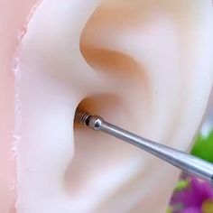 Health And Beauty Tips, Health Tips, Beauty Skin, Beauty Care, Ear Wax Removal, Cool Things To Buy, Girly Things, Clean Ears, Ear Cleaning
