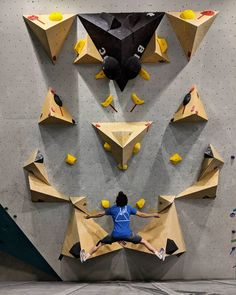 Home Climbing Wall, Rock Climbing Gym, Climbing Holds, Bouldering Wall, African Colors, Outdoor Gym, Gym Design, Geometric Wall, Kids Room
