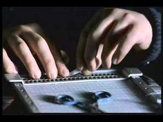 vermelho como o ceu Vermelho Como o Ceu - Filme Italiano que conta a historia de um menino Cego que mais tarde se tornou um Cineasta!! Um Belissimo Filme!!
