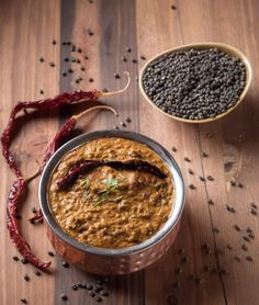 Punjabi dal makhani is a wondrously rich lentil curry from Northern India. This is the restaurant version. You can make it in ten minutes once your lentils are cooked. Best Curry, Hottest Curry, Pre Cooked Chicken, How To Cook Chicken, Butter Chicken, Ginger Paste Recipe, Curry Base Recipe, Curry Recipes, Vegetarian Recipes