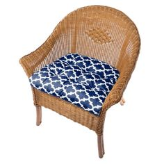 Top Home Design 75 Inspiring Porch Cushions To Complement Your Patio Home Furnishings 18 Target Patio Chairs, Patio Lounge Furniture, Dining Room Chair Cushions, Adirondack Chair Cushions, Patio Lounge Chairs, Patio Cushions, Dining Chair Cushions, Outdoor Dining Chairs, Beautiful Dining Rooms