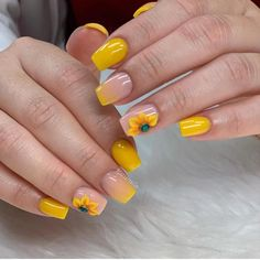 How to choose your fake nails? - My Nails Yellow Nails Design, Yellow Nail Art, Bolo Glamour, Cute Nails, Pretty Nails, Manicure, Sunflower Nails, Artificial Nails, Perfect Nails