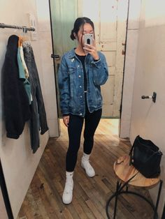 Oversized jean jacket (American Eagle), black long sleeve (Brandy Melville), leggings, Nike crew socks, Nike Air Force Source by MelissaOutfitTracker outfits with leggings Lazy Outfits, Cute Winter Outfits, Simple Outfits, Outfits For Teens, Trendy Outfits, Fashion Outfits, School Outfits, Fashion Hair, 70s Fashion