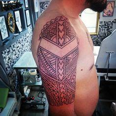 Linework for today,only freehand...#dermagrafics #tattoos #tattoo#tatuami #tatuagi #tattoomaori #maori #maoritattoos #maoritattoo #polynesiantattoos #polynesiantattoo #traditionaltattoos #freehandtattoo #linework #blacktattoo #blackwork #samoan #inprogress #inked #inkedmen #mentattoo