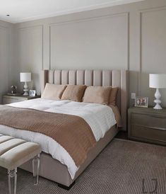 With the exact same night stands and lamps on each side of the bed alone with the lines on the wall makes the room feel symmetrical Luxury Home Decor, Home Room Design, Simple Bedroom, Home Interior Design, Bedroom Interior, Bedroom Bed Design, Bedroom Makeover, Simple Bedroom Design, Home Bedroom