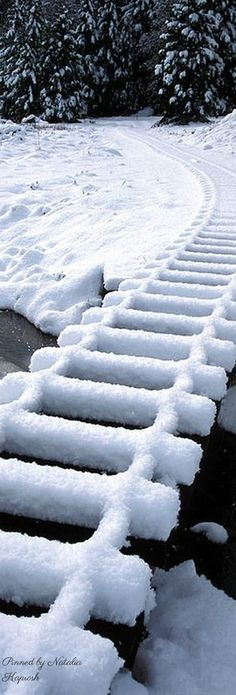 Snow on railroad tracks Winter Magic, Winter Snow, Winter Time, Snow Pictures, Pretty Pictures, Winter Photography, Nature Photography, Beautiful Winter Scenes, Top Imagem