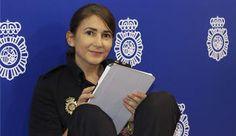 La inspectora González, nueva ´community manager´ de la Policía