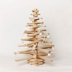Wood Christmas Tree di WoodoWorkshop su Etsy https://www.etsy.com/it/listing/255595365/wood-christmas-tree