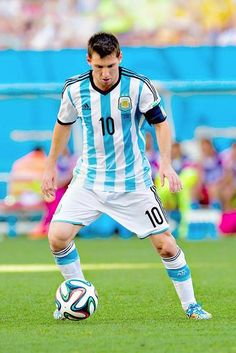 Leo and the soccer ball...amazing match!! http://www.1502983.talkfusion.com/es/products