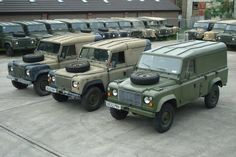 Brothers in arms. Land Rover Defender 110 HT.