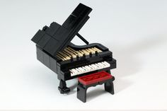 LEGO Grand Piano!!! Wish I had this for my collection! My piano ...